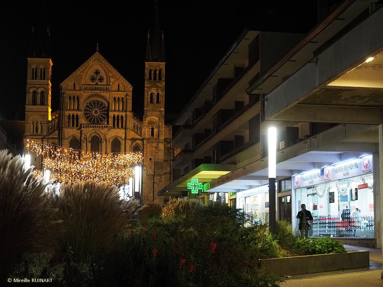 laverie Speed Queen Reims Saint Remi deco Noel